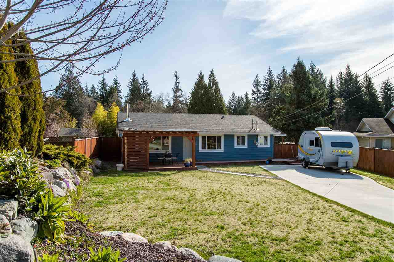 Main Photo: 1210 CAROL Place in Gibsons: Gibsons & Area House for sale (Sunshine Coast)  : MLS®# R2354899