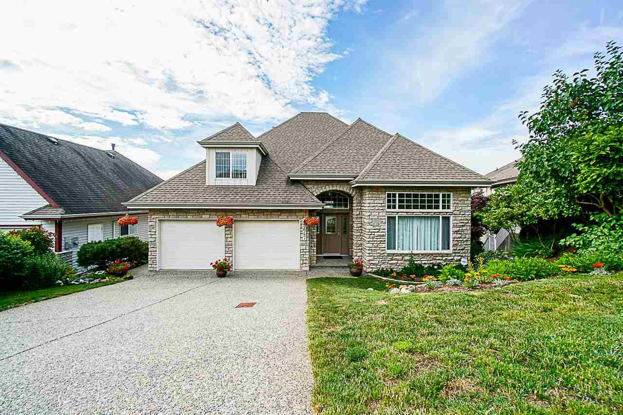 "Main Photo: 35647 TERRAVISTA Place in Abbotsford: Abbotsford East House for sale in ""The Highlands"" : MLS®# R2380299"