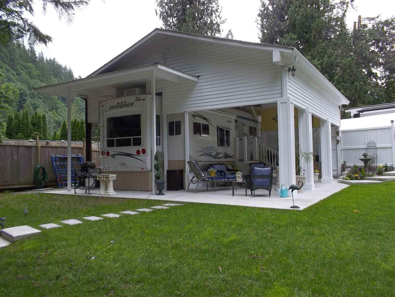 """Main Photo: 4 1650 COLUMBIA VALLEY Road: Columbia Valley Land for sale in """"LEISURE VALLEY"""" (Cultus Lake)  : MLS®# R2381148"""