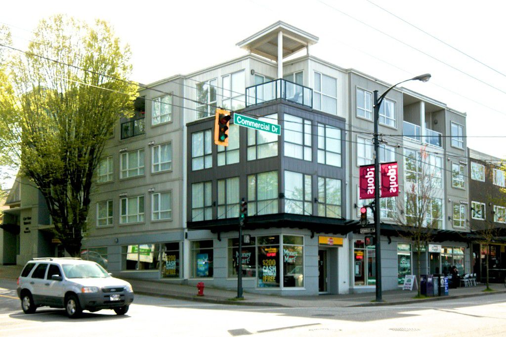 """Main Photo: 203 1718 VENABLES Street in Vancouver: Grandview VE Condo for sale in """"THE DRIVE-CITY VIEW TERRACES"""" (Vancouver East)  : MLS®# V1108596"""