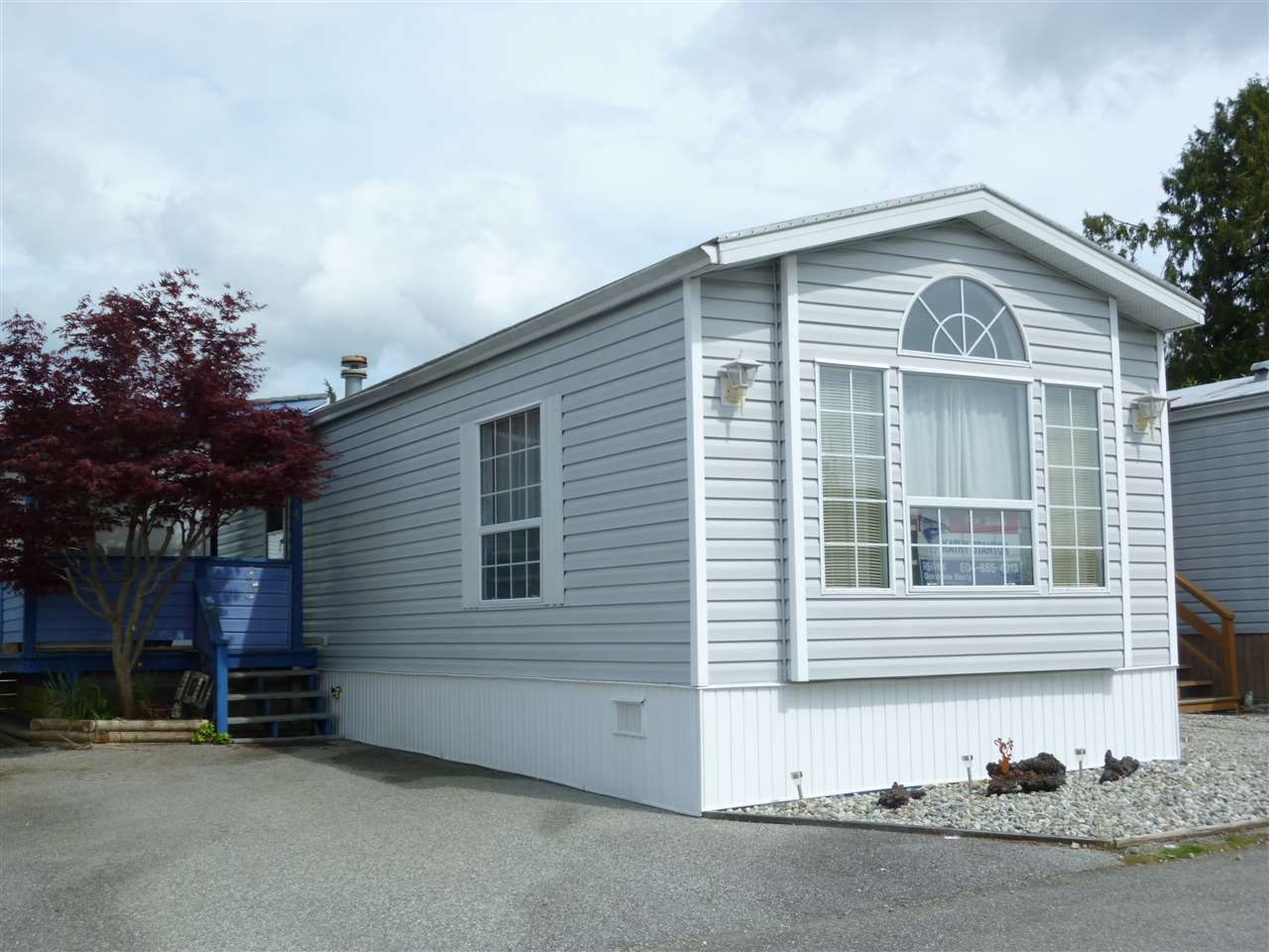"Main Photo: 14 5575 MASON Road in Sechelt: Sechelt District Manufactured Home for sale in ""MASON RD MOBILE HOME PARK"" (Sunshine Coast)  : MLS®# R2056997"