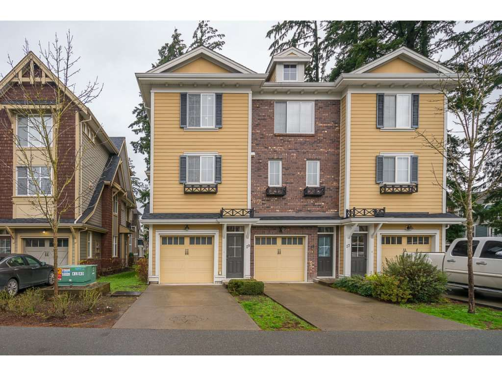 """Main Photo: 19 5805 SAPPERS Way in Chilliwack: Vedder S Watson-Promontory Townhouse for sale in """"FOREST TRAILS AT GARRISON CROSSING"""" (Sardis)  : MLS®# R2125637"""
