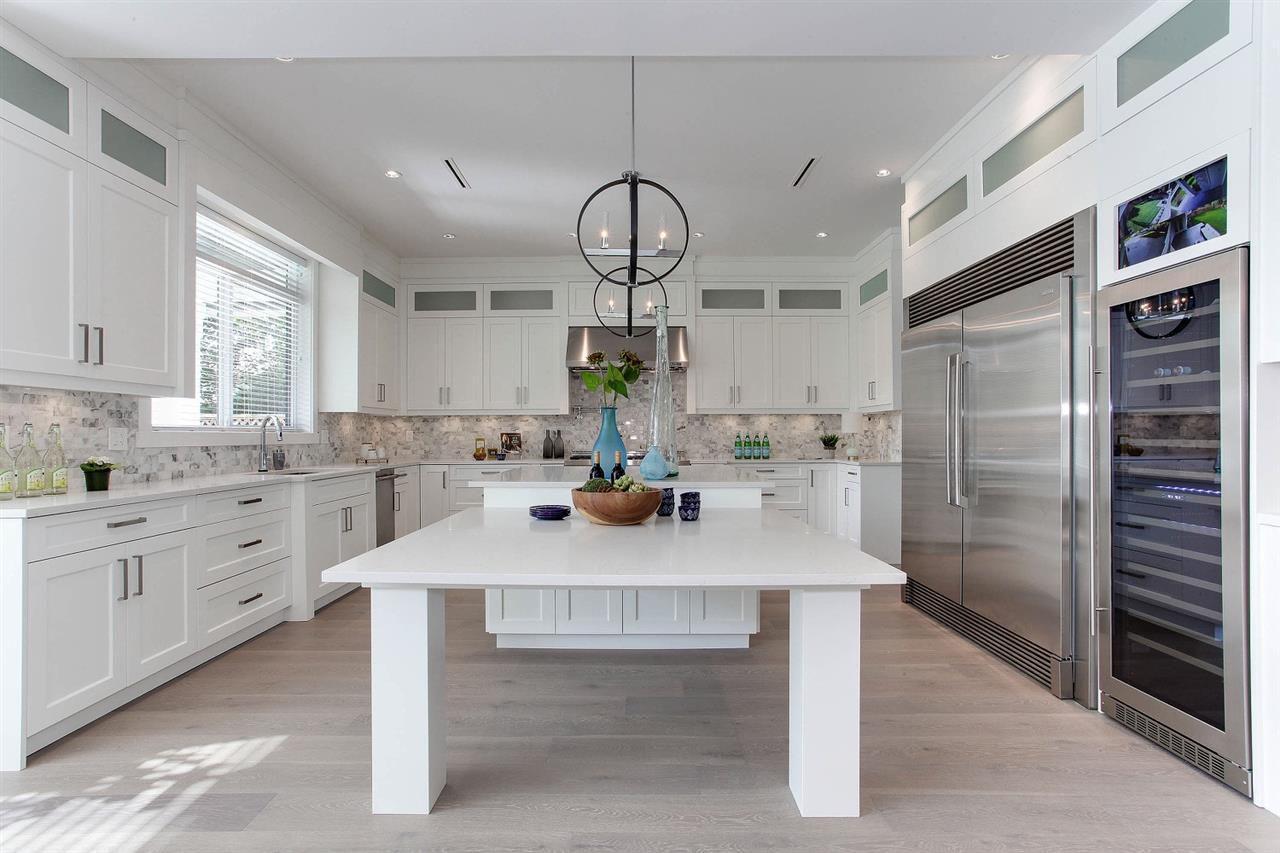 Main Photo: 1703 FARRELL Crescent in Delta: Beach Grove House for sale (Tsawwassen)  : MLS®# R2197789
