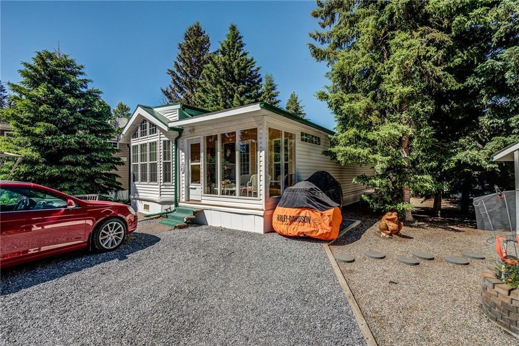 Main Photo: 12 200 4 Avenue SW: Sundre House for sale : MLS®# C4192663