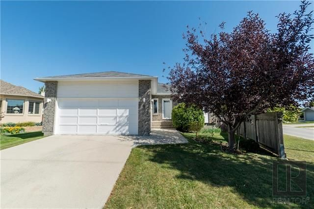 Main Photo: 4 Rockford Place in Winnipeg: Whyte Ridge Residential for sale (1P)  : MLS®# 1824279