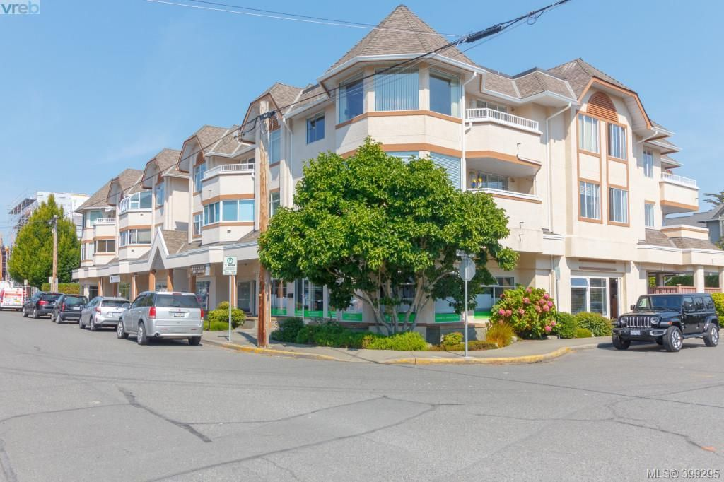 Main Photo: 202 9717 Third Street in SIDNEY: Si Sidney South-East Condo Apartment for sale (Sidney)  : MLS®# 399295