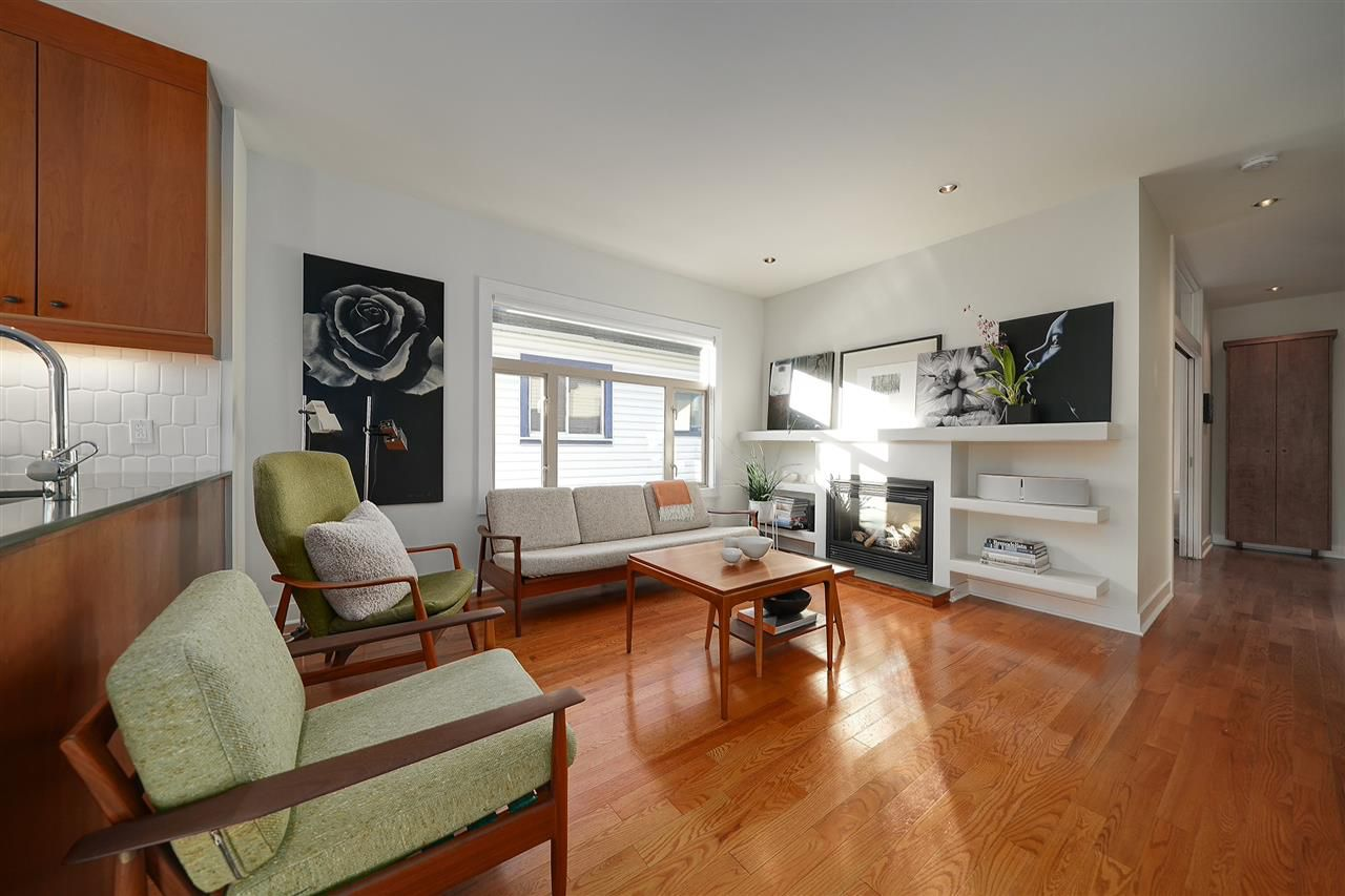 """Main Photo: 854 E 14TH Avenue in Vancouver: Mount Pleasant VE House for sale in """"MOUNT PLEASANT"""" (Vancouver East)  : MLS®# R2318386"""