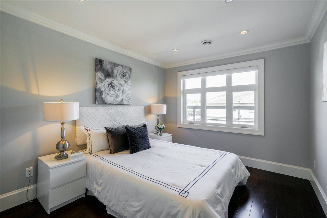 Photo 9: Photos: 6988 MCKINNON Street in Vancouver: Killarney VE House for sale (Vancouver East)  : MLS®# R2335656