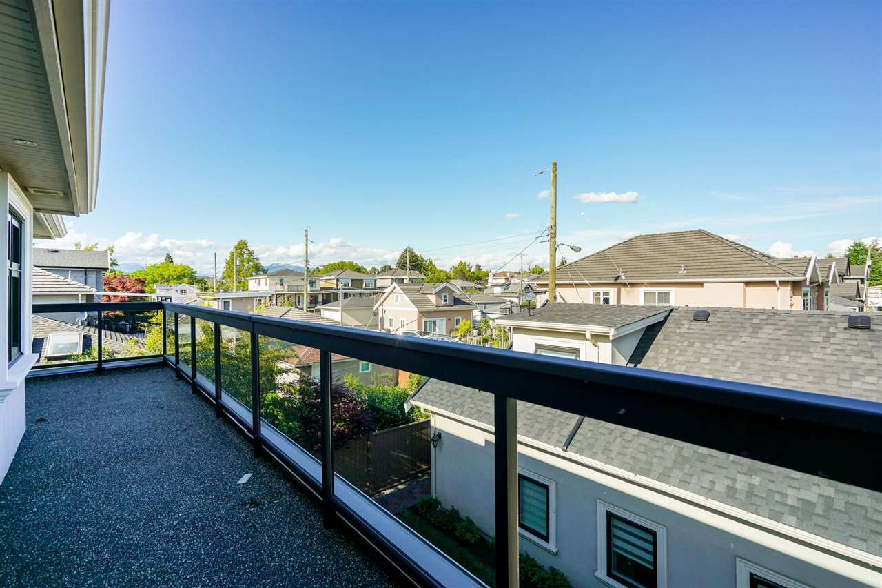 Photo 17: Photos: 6988 MCKINNON Street in Vancouver: Killarney VE House for sale (Vancouver East)  : MLS®# R2335656