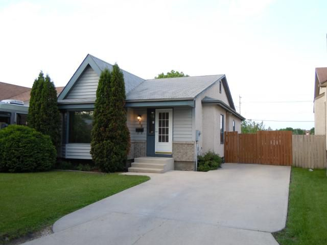 Main Photo: 106 Sauve Crescent in WINNIPEG: St Vital Residential for sale (South East Winnipeg)  : MLS®# 1111918