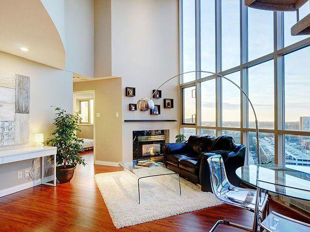 Main Photo: 2 Bedroom + Den Pentouse Condo For Sale in Richmond!