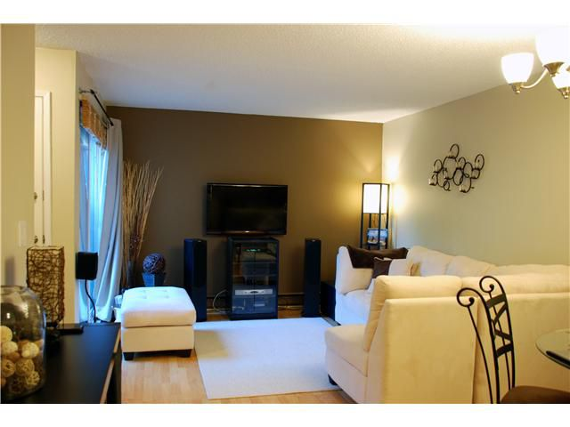 Main Photo: 1-302 Afton LN in Port Moody: North Shore Pt Moody Townhouse for sale : MLS®# V952996