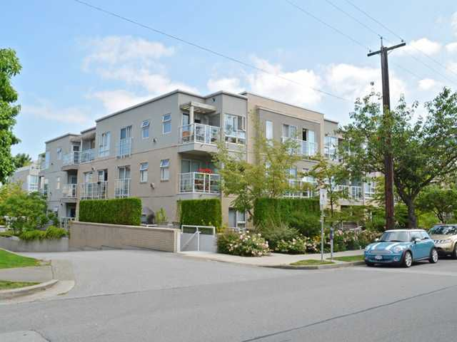 "Main Photo: G05 1823 W 7TH Avenue in Vancouver: Kitsilano Condo for sale in ""CARNEGIE"" (Vancouver West)  : MLS®# V1053670"