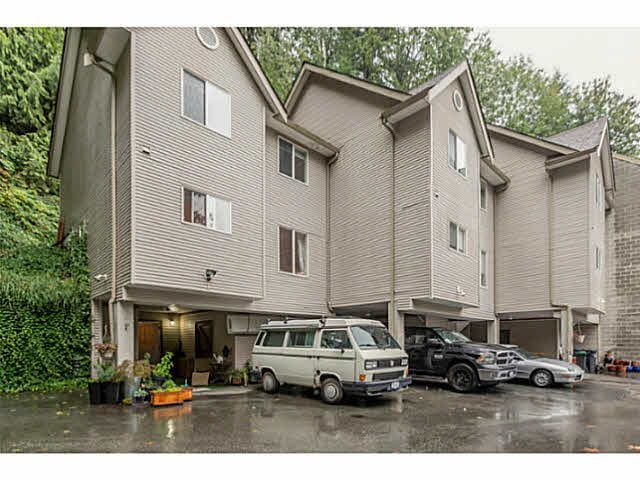 "Main Photo: 1 9900 VALLEY Drive in Squamish: Valleycliffe Townhouse for sale in ""LINCON GARDENS"" : MLS®# V1141731"