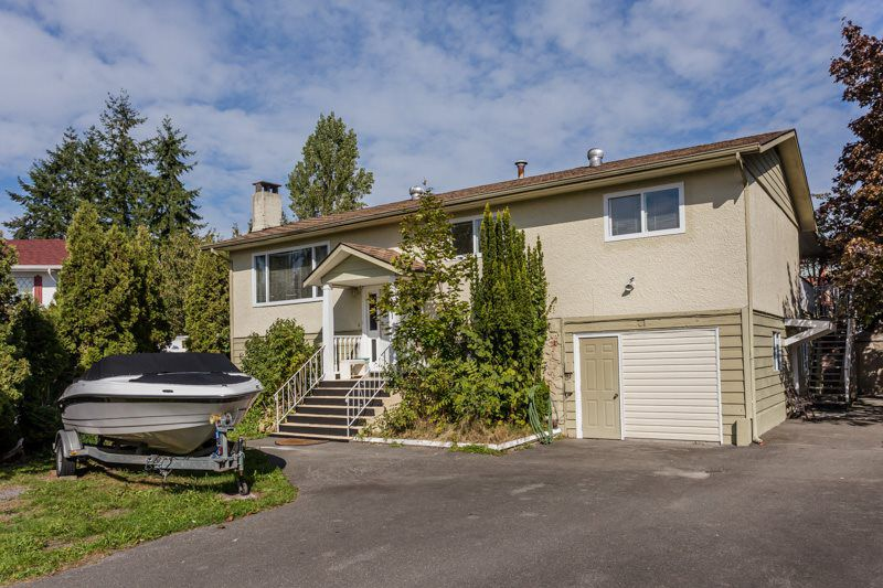 Main Photo: 5521 199A Street in Langley: Langley City House for sale : MLS®# R2001584