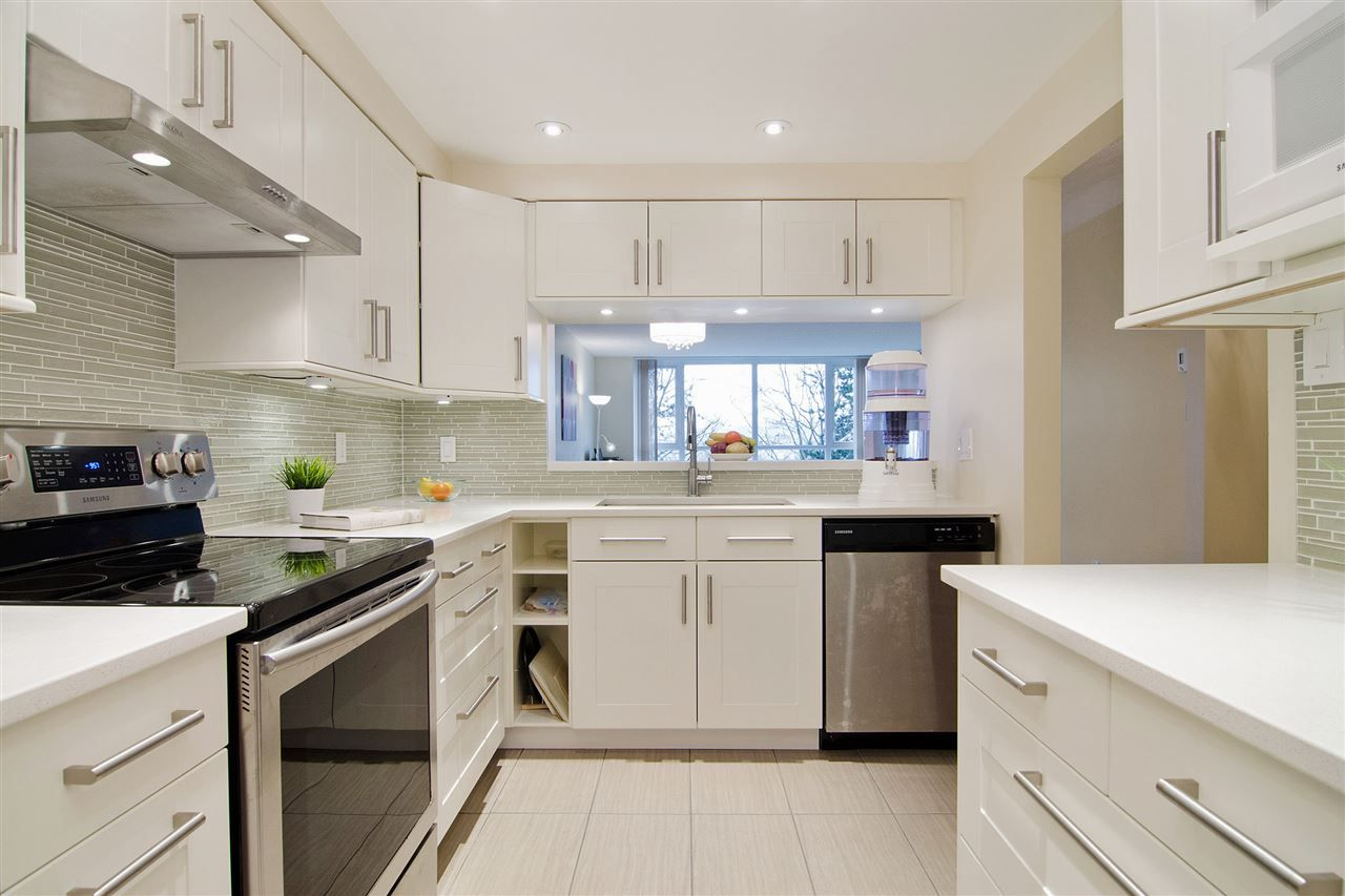 Main Photo: 307 6070 MCMURRAY Avenue in Burnaby: Forest Glen BS Condo for sale (Burnaby South) : MLS# R2029896