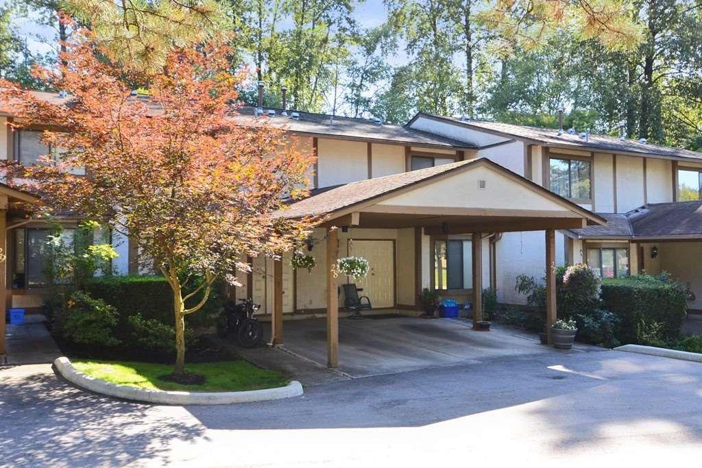 Main Photo: 28 1141 EAGLERIDGE Drive in Coquitlam: Eagle Ridge CQ Townhouse for sale : MLS®# R2103152