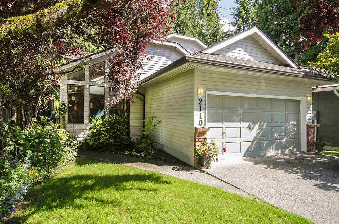Main Photo: 2110 KIRKSTONE Place in North Vancouver: Lynn Valley House for sale : MLS®# R2162339