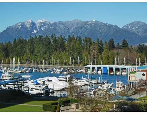 "Main Photo: 405 1680 BAYSHORE Drive in Vancouver: Coal Harbour Condo for sale in ""BAYSHORE GARDENS"" (Vancouver West)  : MLS®# R2173851"