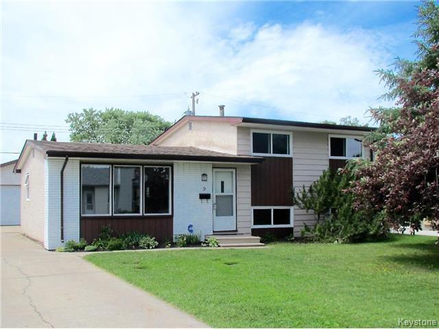 Main Photo: 9 Peterboro Bay in Winnipeg: Windsor Park Residential for sale (2G)  : MLS®# 1717327