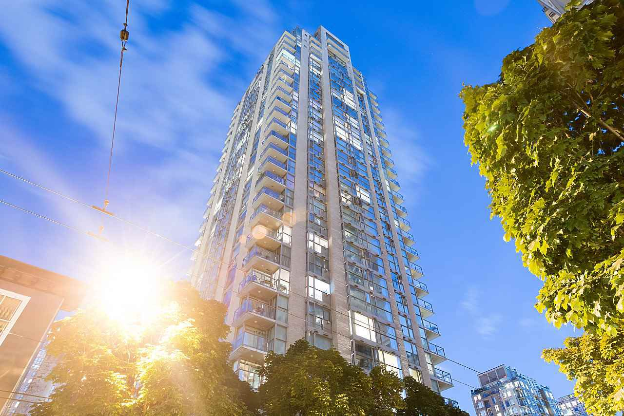 Main Photo: 308 928 RICHARDS STREET in Vancouver: Yaletown Condo for sale (Vancouver West)  : MLS®# R2226885
