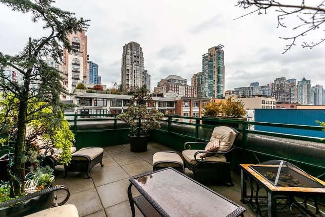 """Main Photo: 801 289 DRAKE Street in Vancouver: Yaletown Condo for sale in """"PARKVIEW TOWER"""" (Vancouver West)  : MLS®# R2234032"""