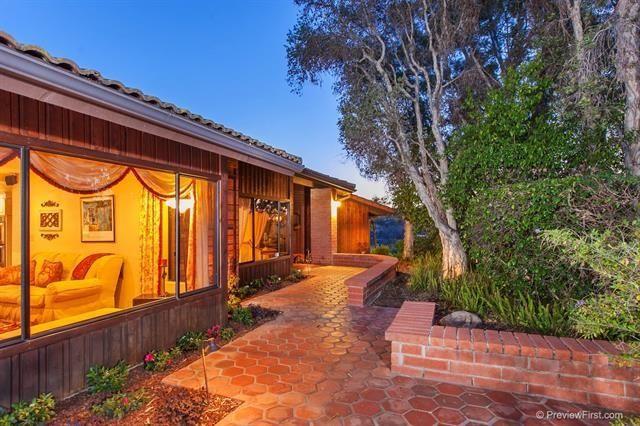 Main Photo: MOUNT HELIX House for sale : 3 bedrooms : 933 Vista Del Monte Way in El Cajon