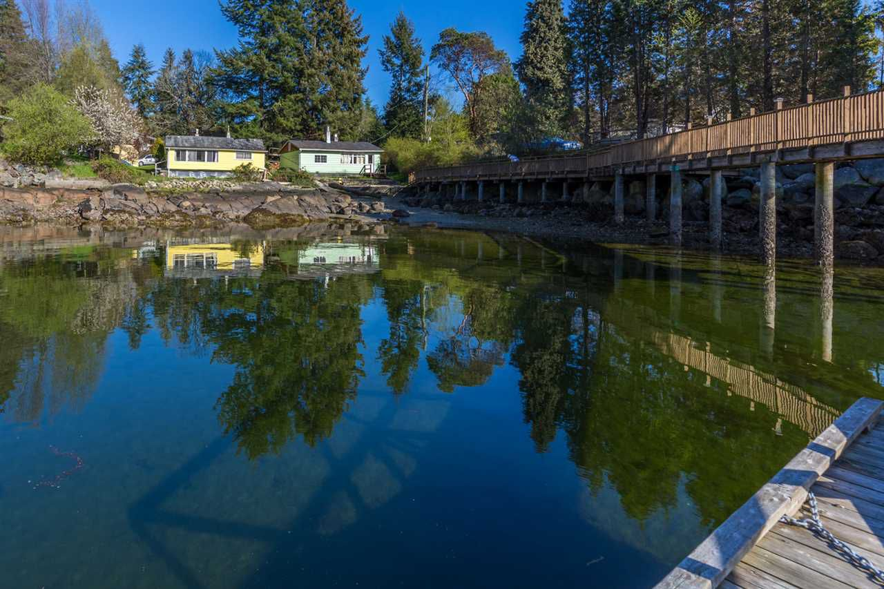 Main Photo: 5621 O'BRIAN Road in Halfmoon Bay: Halfmn Bay Secret Cv Redroofs House for sale (Sunshine Coast)  : MLS®# R2252514
