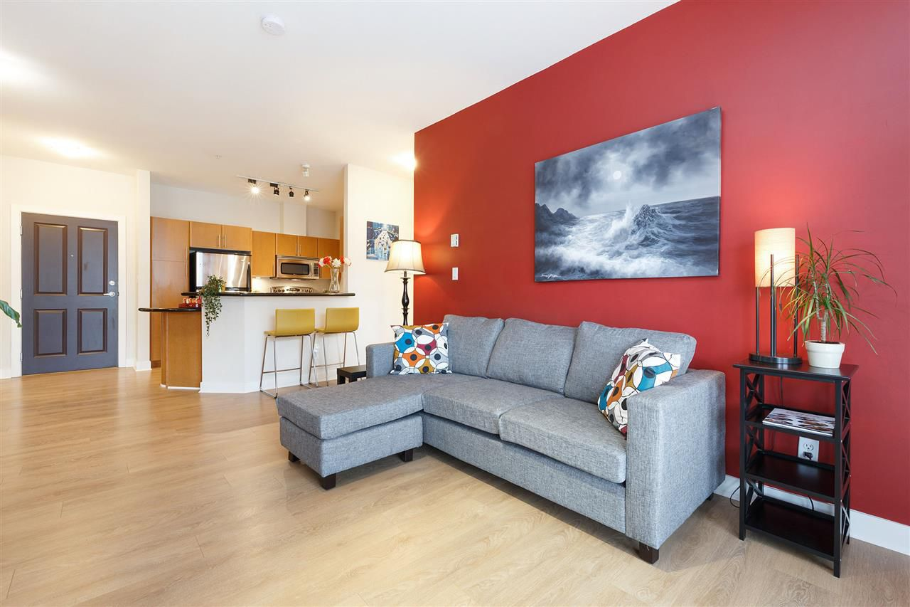 Main Photo: 407 2330 WILSON Avenue in Port Coquitlam: Central Pt Coquitlam Condo for sale in
