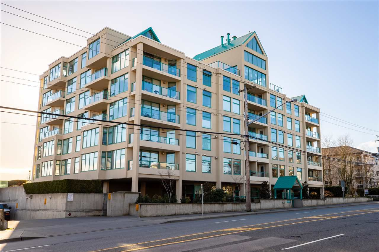 """Main Photo: 307 15466 NORTH BLUFF Road: White Rock Condo for sale in """"The Summit"""" (South Surrey White Rock)  : MLS®# R2330500"""
