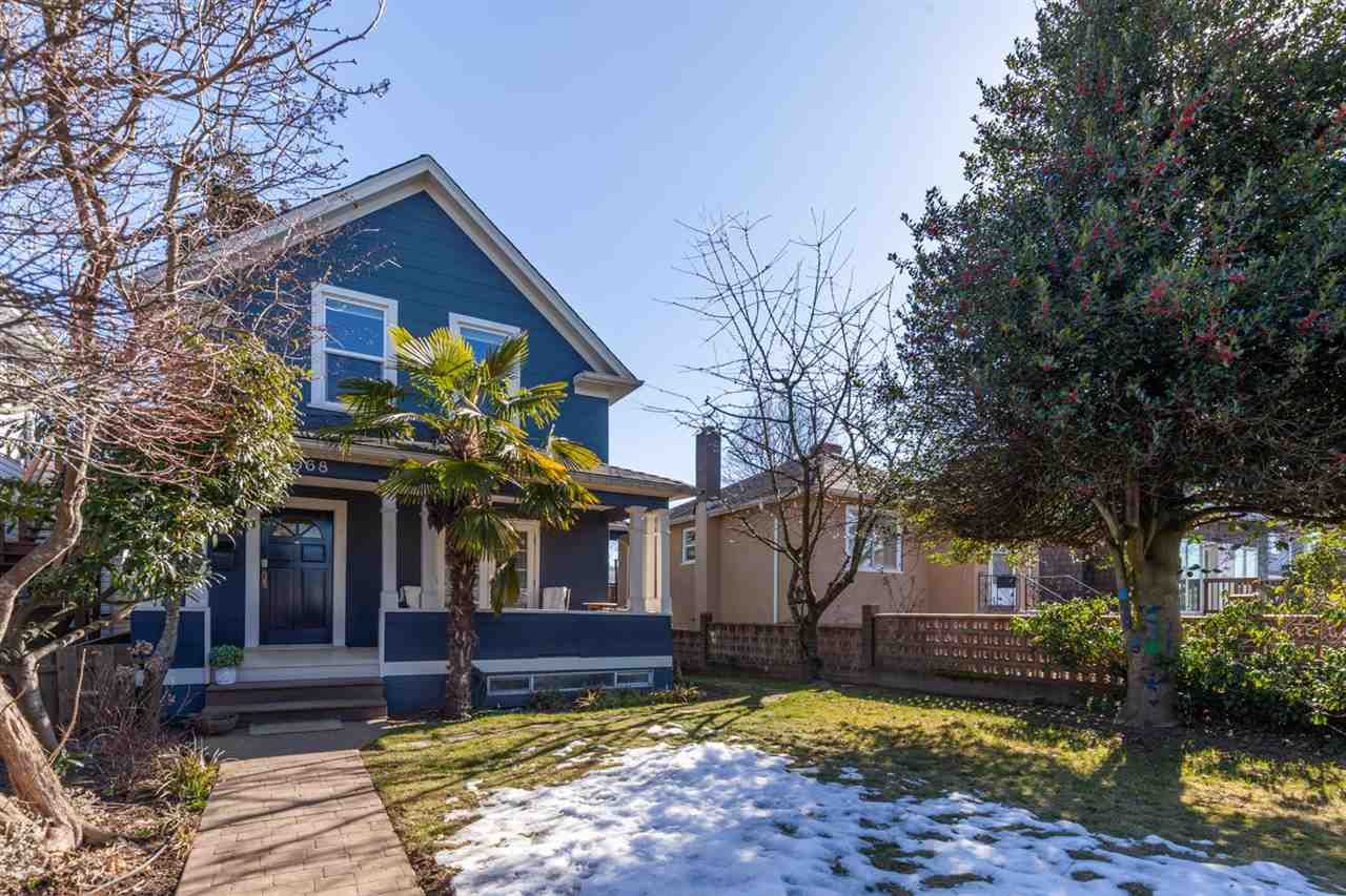 Main Photo: 4968 WALDEN Street in Vancouver: Main House for sale (Vancouver East)  : MLS®# R2345913