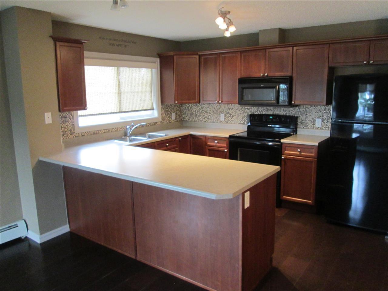 Main Photo: 101 15211 139 Street in Edmonton: Zone 27 Condo for sale : MLS®# E4149661