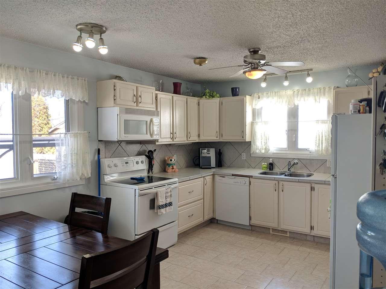 Photo 2: Photos: 4740 48 Street S: Clyde House for sale : MLS®# E4152983
