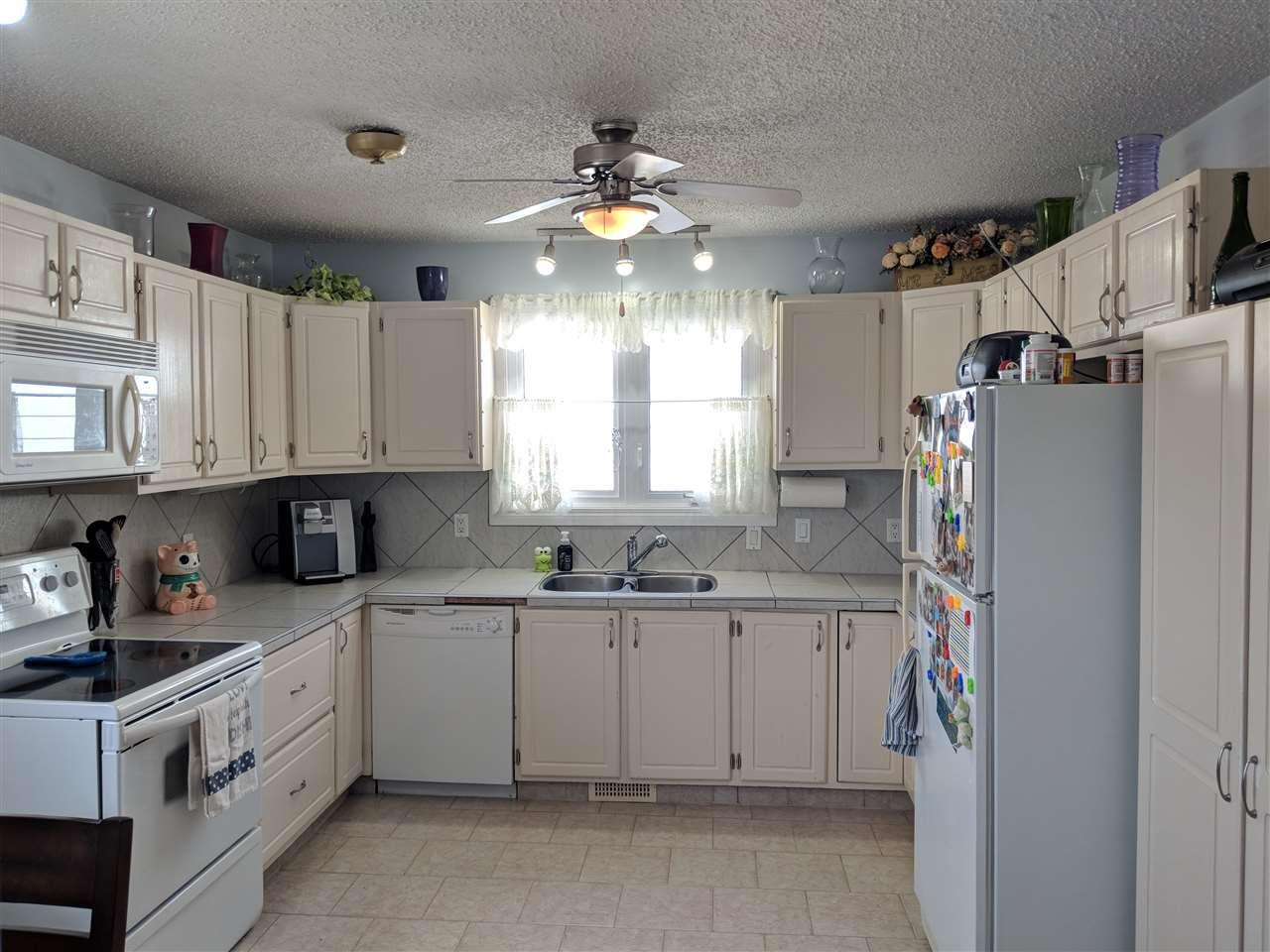 Photo 3: Photos: 4740 48 Street S: Clyde House for sale : MLS®# E4152983
