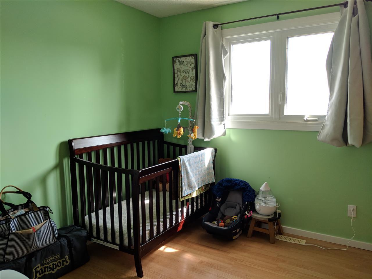 Photo 11: Photos: 4740 48 Street S: Clyde House for sale : MLS®# E4152983