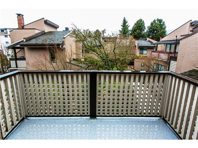 Photo 9: Photos: 2054 MARINE DR in West Vancouver: Ambleside Townhouse for sale : MLS®# V1012823