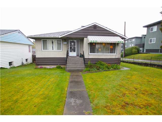 Main Photo: 3763 KINCAID Street in Burnaby: Burnaby Hospital House for sale (Burnaby South)  : MLS®# V1059340