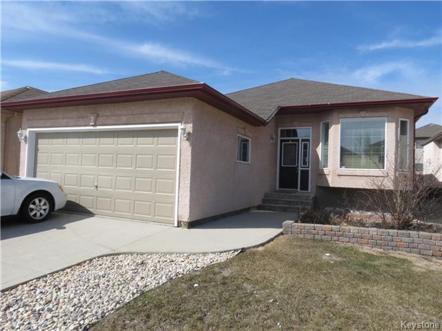 Main Photo: 7 Pentonville Crescent in WINNIPEG: St Vital Residential for sale (South East Winnipeg)  : MLS®# 1408273