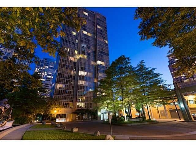 "Main Photo: PH1 950 CAMBIE Street in Vancouver: Yaletown Condo for sale in ""Pacific Place Landmark 1"" (Vancouver West)  : MLS®# R2012195"