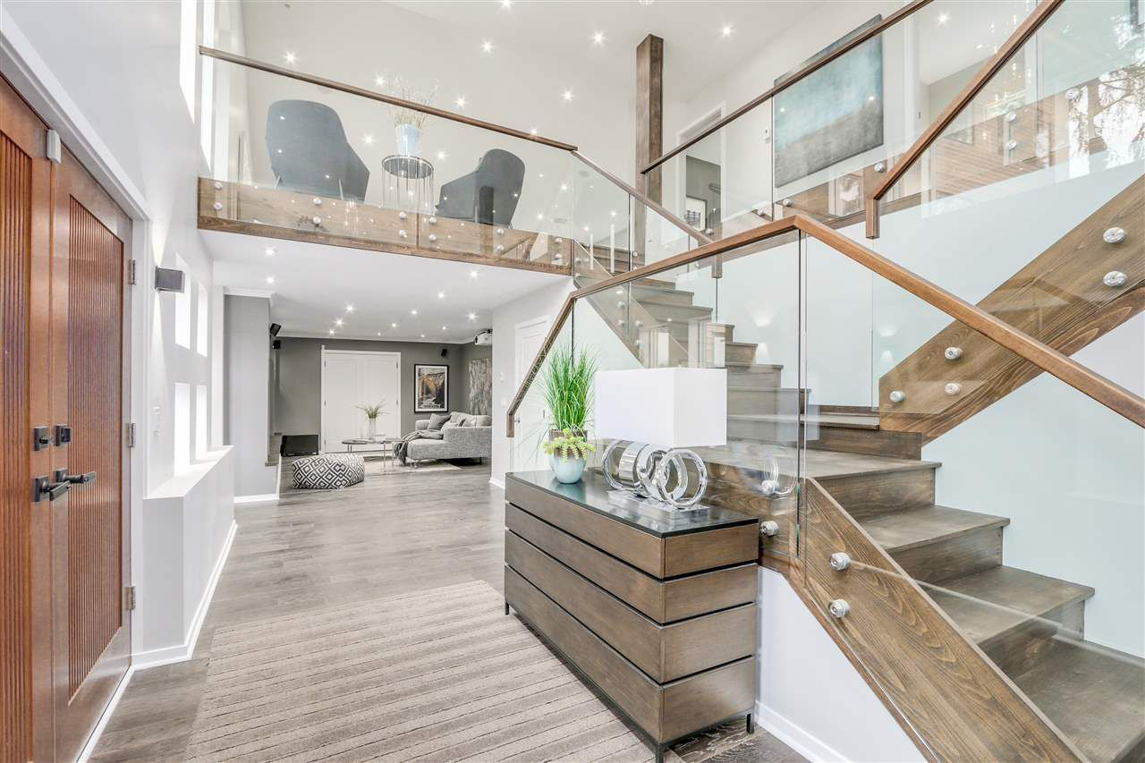 """Main Photo: 2800 BAYVIEW Street in Surrey: Crescent Bch Ocean Pk. House for sale in """"Crescent Beach"""" (South Surrey White Rock)  : MLS®# R2031825"""