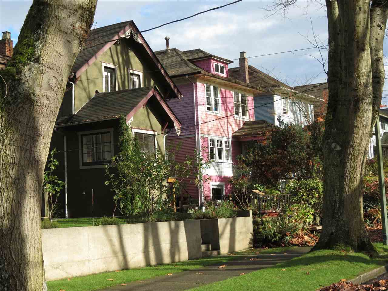 Main Photo: 2227 E 7TH Avenue in Vancouver: Grandview VE House for sale (Vancouver East)  : MLS®# R2125130