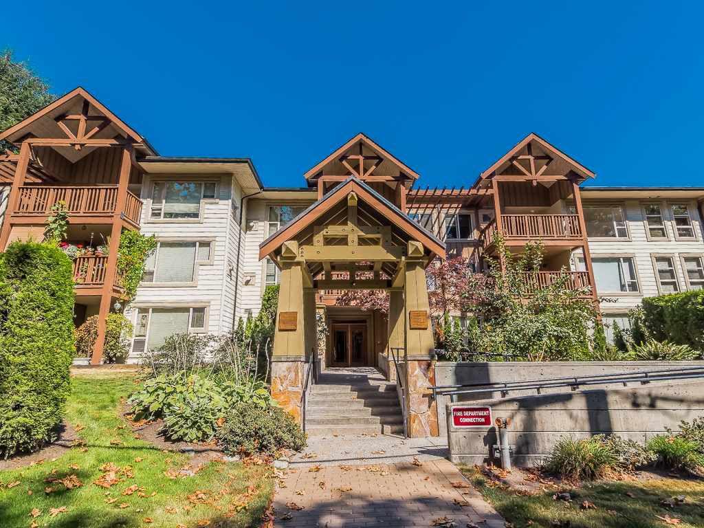 """Main Photo: 207 2323 MAMQUAM Road in Squamish: Garibaldi Highlands Condo for sale in """"SYMPHONY"""" : MLS®# R2132703"""