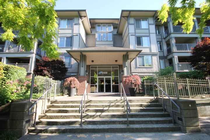 "Main Photo: 211 2468 ATKINS Avenue in Port Coquitlam: Central Pt Coquitlam Condo for sale in ""THE BORDEAUX"" : MLS®# R2184679"