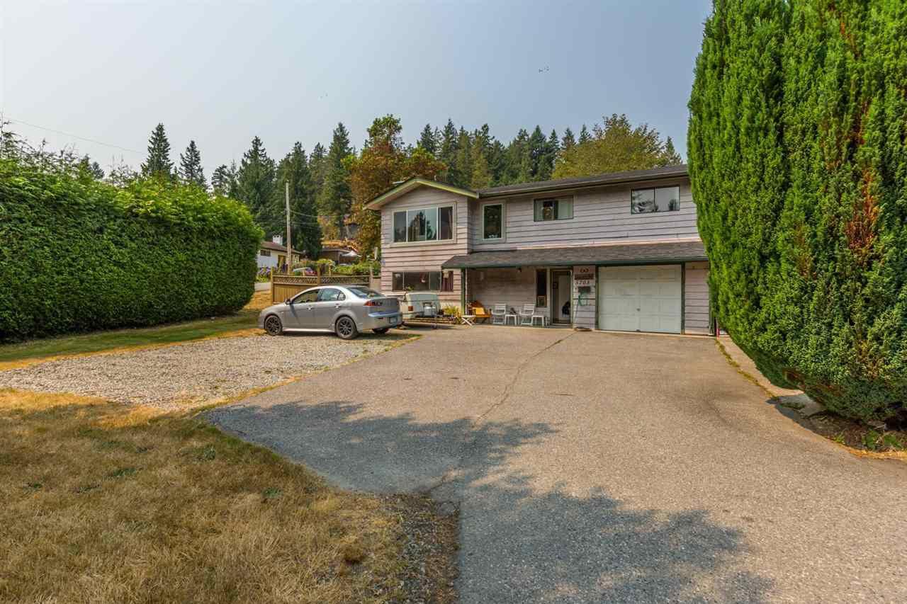 Main Photo: 5703 TRAIL Avenue in Sechelt: Sechelt District House for sale (Sunshine Coast)  : MLS®# R2194314
