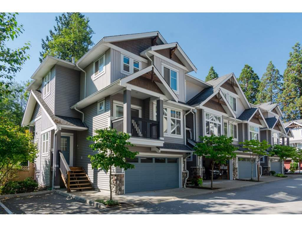 Main Photo: 22 21704 96 Avenue in Langley: Walnut Grove Townhouse for sale : MLS®# R2200710