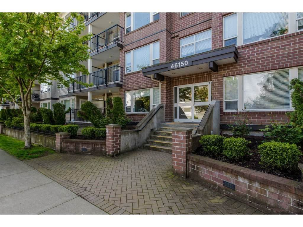 """Main Photo: 412 46150 BOLE Avenue in Chilliwack: Chilliwack N Yale-Well Condo for sale in """"THE NEWMARK"""" : MLS®# R2226955"""