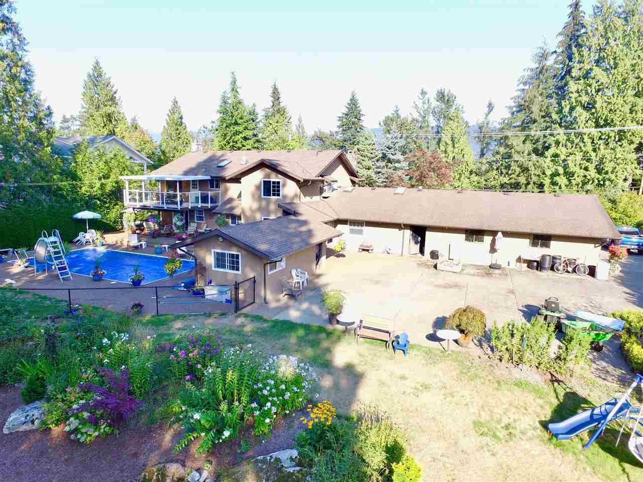 Main Photo: 9909 STAVE LAKE Street in Mission: Mission BC House for sale : MLS®# R2301086