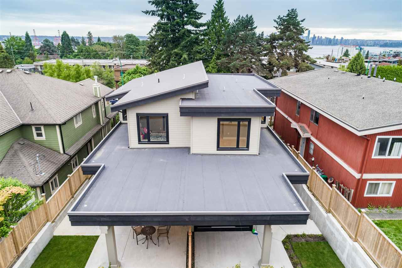 Photo 19: Photos: 316 E 4TH Street in North Vancouver: Lower Lonsdale House 1/2 Duplex for sale : MLS®# R2370138