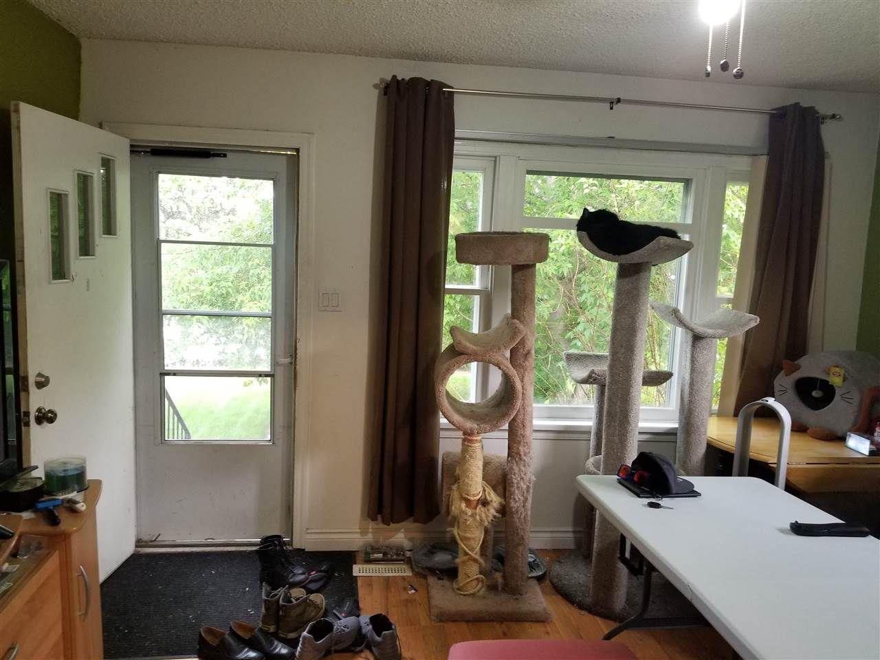 Photo 5: Photos: 9242 152 Street in Edmonton: Zone 22 House for sale : MLS®# E4158939