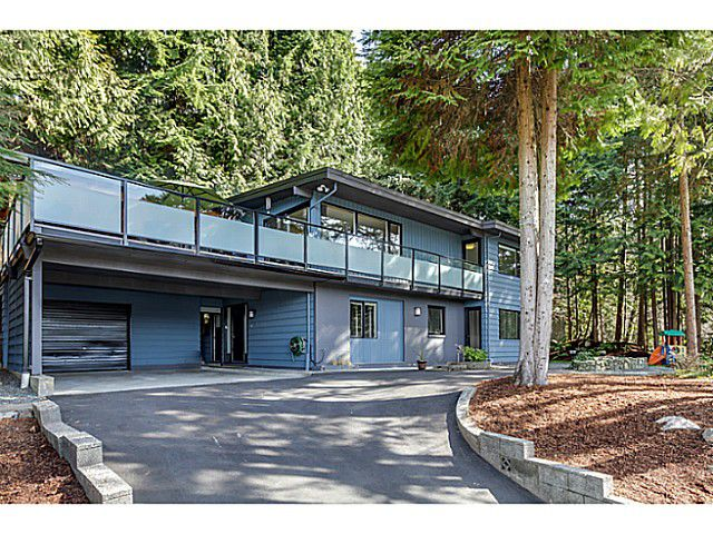Main Photo: 552 PALISADE Drive in North Vancouver: Canyon Heights NV House for sale : MLS®# V1052865